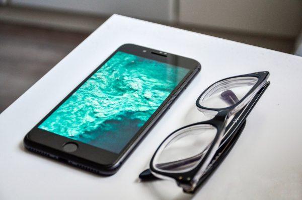 iphone-apps-blue-light